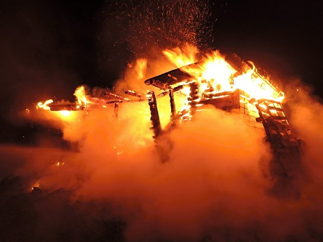 Požár chatky v Proseči nad Nisou.