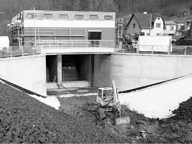 ELEKTRÁRNA. Stavba vodní elektrárny vyjde na téměř sto milionů korun.