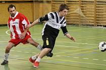 AC MITÍK LITRPOOL 7:1. Vlevo je hráč poražených Hudec, vpravo pak Sonntag z AC Mitík.