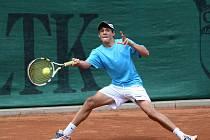 Na tenisových kurtech ČLTK Bižuterie na Horní Proseči se hrálo 2. kolo mistrovství ČR starších žáků, dvouhry. Dominik Bartoň.