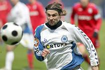 Před 15 lety hrál fotbalový Slovan Liberec Intertoto Cup, ve kterém se dostal až do finále s německým Schalke 04. Na snímku je jeden z libereckých aktérů Petr Papoušek.