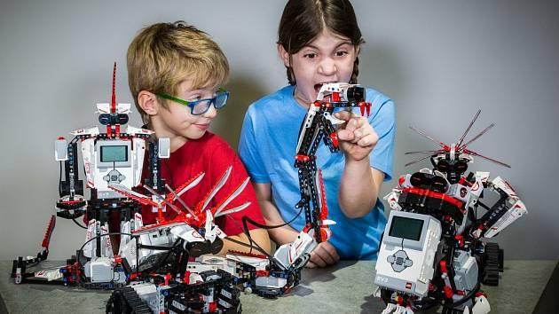 Děti budou mít za úkol například sestrojit raketu nebo robota z čehokoliv - někdo zvolí třeba lego.