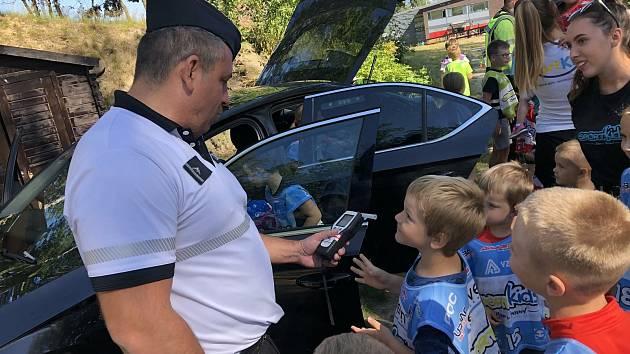 Policisté navštívili příměstský tábor ve Vesci.