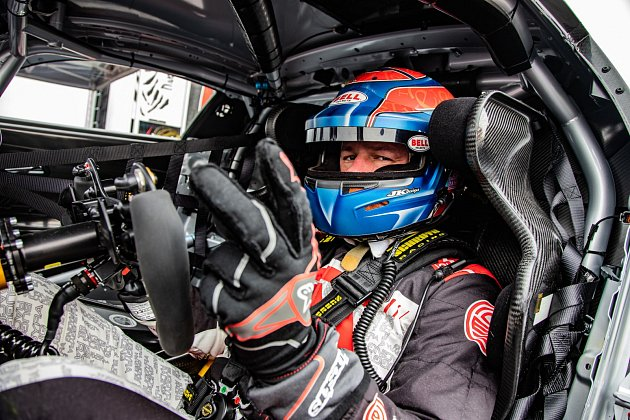 Tomáš Enge vbarvách týmu Buggyra Racing.