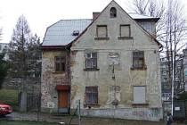 Město je chce prodat Krajské nemocnici v Liberci, opoziční zastupitelé by tam raději viděli sociální byty.