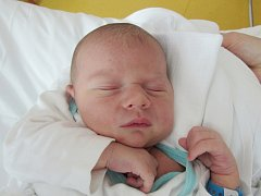 RADEK BOHÁČEK Narodil se 30. května v liberecké porodnici mamince Pavle Boháčkové z Varnsdorfu. Vážil 4,45 kg a měřil 54 cm.