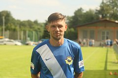 Hrával za litevskou reprezentaci, dnes je kmenovým hráčem fotbalové Chrastavy v divizi.