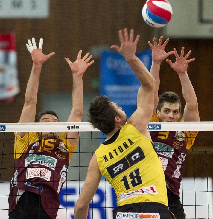 První utkání čtvrtfinále play-off volejbalové extraligy mezi týmy VK Dukla Liberec – Volejbal Brno.