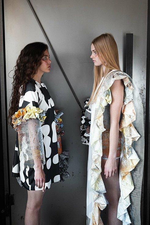 Návrhy oděvu od Kateřiny Klozové.
