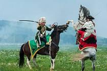 BITVA BEZE ZTRÁT. Vojáci ani stovky diváků se krveprolití na polích Ostašova bát nemuseli.