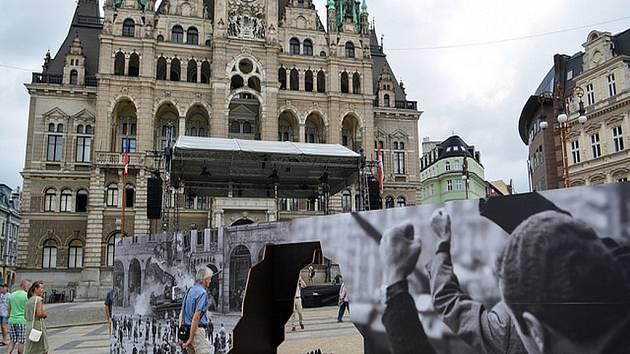 Vzpomínkového shromáždění u příležitosti 50. výročí invaze vojsk Varšavské smlouvy do Československa.
