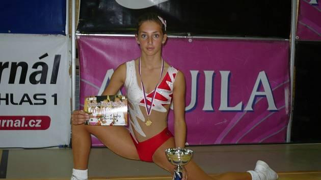 VÍTĚZKA BASIC CUPU. Kadetka Markéta Pilnáčková ze Sport Aerobic Liberec.