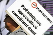 Starostové si  na demonstraci přinesli výmluvné transparenty.