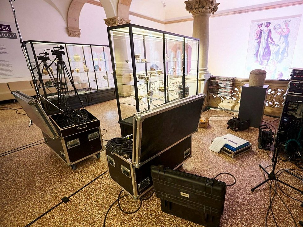 Přípravy na koncert v Severočeském muzeu v Liberci.