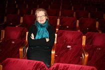 FILMOVÁ DOKUMENTARISTKA HELENA TŘEŠTÍKOVÁ pracující časosběrnou metodou, kterou použila i u svého nového dokumentu Katka.