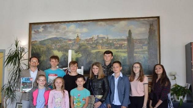 Starosta Turnova přijal delegaci žáků ZŠ Žižkova v Turnově.