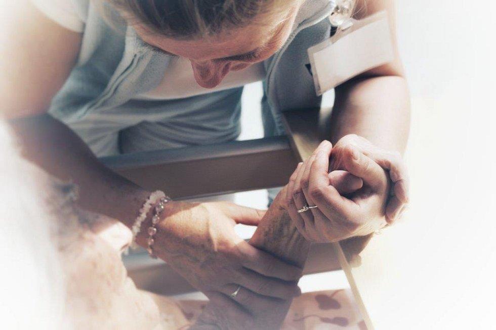 Mycí rituál zlepší život klientům hospicu.
