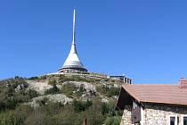 Před 55 lety byl položen základní kámen Vysílače a hotelu na Ještědu.