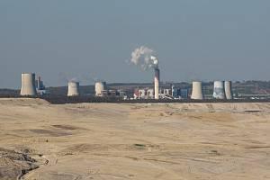 TĚŽIT SE BUDE DÁL. Polský hnědouhelný důl a elektrárna Turów.