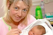 Mamince Lucii Pešánové Hrstkové z Liberce se narodil v Liberci 1. května syn Patrik Pešán. Vážil 3,8 kg a měřil 53 cm.