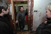 Do jedné ze tří budov ubytovny v Machníně zástupci města Chrastava přestěhovali obyvatelé nechvalně proslulého Kováku.