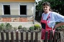 BLESKOVA POVODEŇ se prohnala domem rodiny Frykových a zcela zdevastovala přízemí.