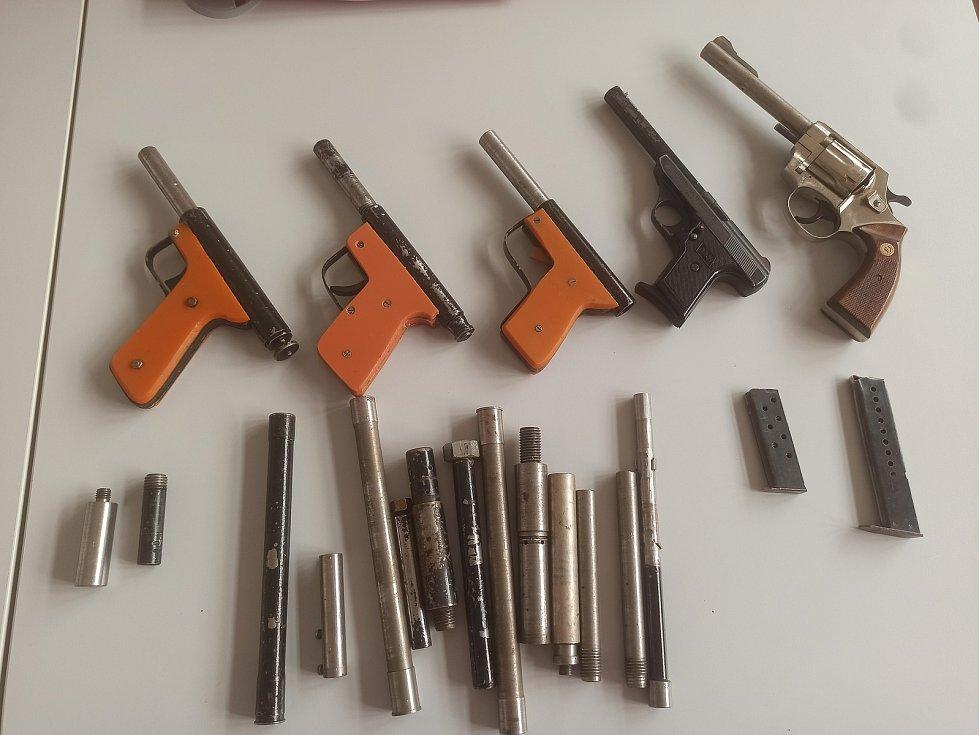 Zbraně odevzdané při letošní zbraňové amnestii.