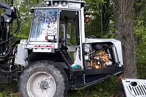 K neobvyklé nehodě došlo ve čtvrtek 9. května na Hejnicku. Havaroval tam traktor, který řídil žák třetího ročníku frýdlantské Střední školy hospodářské a lesnické.