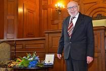 Medaili města Liberec obdržel významný vědec Vladimír Zikmund.