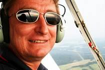 Miroslav Sázavský měl důvod k úsměvu, neboť si domŮ přivezl další zlatou medaili a stal se nejúspěšnějším pilotem aeroklubu Liberec.