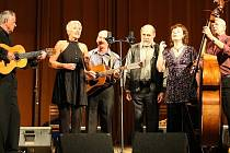 SPIRITUÁL KVINTET. Jedna z nejstarších folkových kapel zahraje v úterý od 19.30 v libereckém Domě kultury.