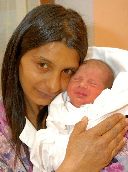 Syn Roman Kotlár se narodil 12. března deset míinut po devatenácté hodině v liberecké porodnici mamince Martině Kotlárové  z Václavic. Vážil 2,78  kg.
