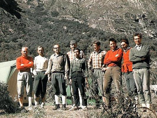 Počátkem roku 1970 se parta horolezců z Liberecka, Prahy a Ústí nad Labem vypravila na expedici do jihoamerického Peru. Skončila tragicky.