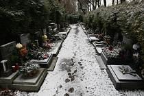 NEVÍTE, KDE PO SMRTI SKONČÍTE? Pak má pro vás liberecká pohřební služba radu. Pohřeb si můžete předplatit.