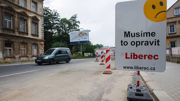 Omezení v ulici Dr. Milady Horákové v Liberci.