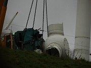 Silný vítr, který přišel spolu s bouří Herwart, nelámal pouze stromy, ale za oběť mu padla také větrná elektrárna na Frýdlantsku.