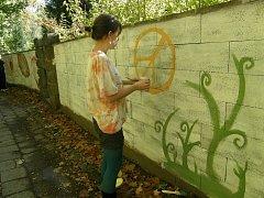 Zeď při malování.