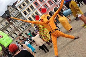 Slavnostní zahájení festivalu před libereckou radnicí. Ilustrační fotografie.