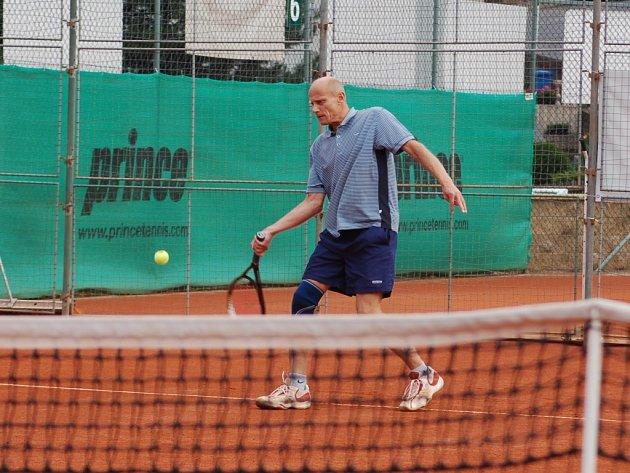 JEDEN ZE TŘIADVACETI. Miloslav Moleš skončil na turnaji Český Dub Open na desátém místě.