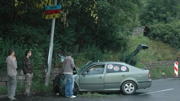 Dopravní nehoda v ulici Na Bídě v Liberci.