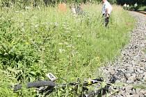 Přímo před vlak vjel cyklista na železničním přejezdu. Svoji neopatrnost zaplatil muž životem.