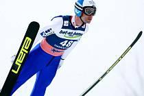 MISTR SVĚTA. Letošní lednový závod v letech na lyžích v Harrachově byl hodnocen jako velmi úspěšný, i proto dostali Harrachovští důvěru i pro další sezonu. Na snímku Rakušan Wolfgang Loitzl, mistr světa ze středního můstku z MS v Liberci 2009.