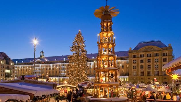 DRÁŽĎANY. Jde o nejstarší adventní trhy v Německu. První se konaly už v roce 1434.