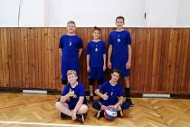 Na snímku jsou úspěšní mladší žáci Slavie v minivolejbalové krajské soutěži.
