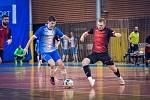 Futsalisté Liberce (v červenočerném) těsně podlehli Helasu Brno 4:5.
