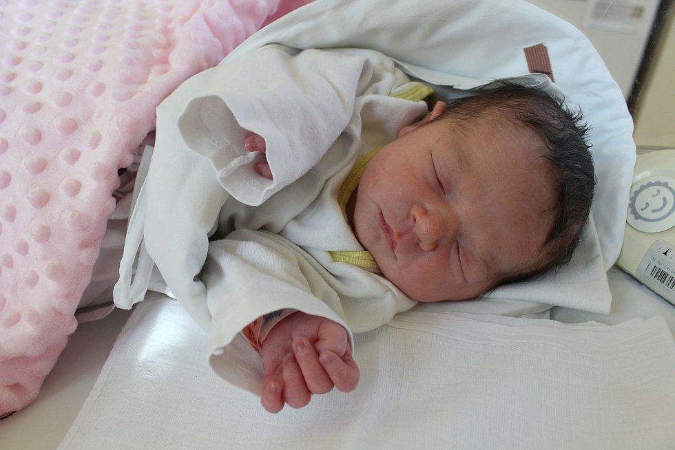 Anna Kosová. Narodila se 17. prosince v liberecké porodnicimamince Elišce Kučerové z Chrastavy. Vážila 3 kg a měřila 49 cm.