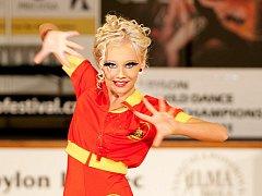 Mladí lidé z celého světa soutěží v libereckém Babylonu v latinských tancích. Do Liberce přijelo na dva tisíce účastníků. World Dance Latino Championship 2011 jich přilákal o něco víc, než vloni. Diváci mohou přijít tanečníky povzbuzovat až do neděle.