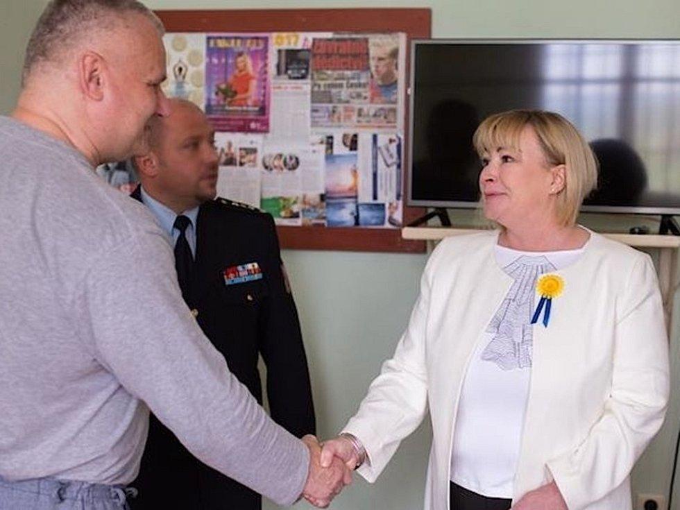 První dáma se setkala s Jiřím Kajínkem.