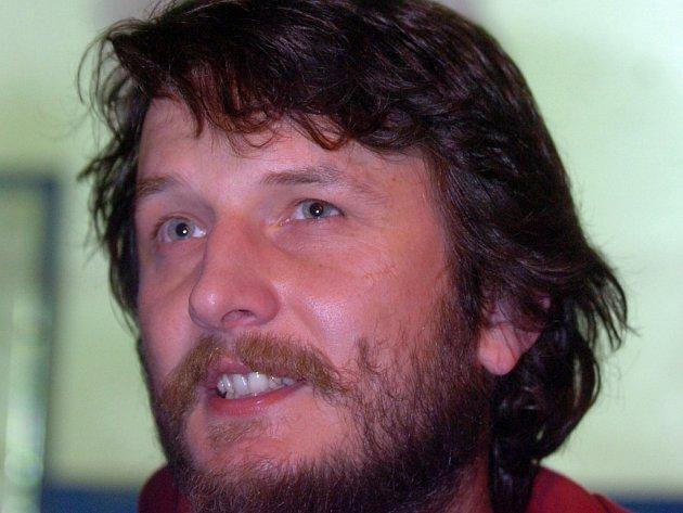Kytarista a zpěvák Václav Bláha.