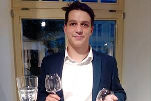 Absolvent oboru produktový design Antonín Košek a jeho nápojová souprava.